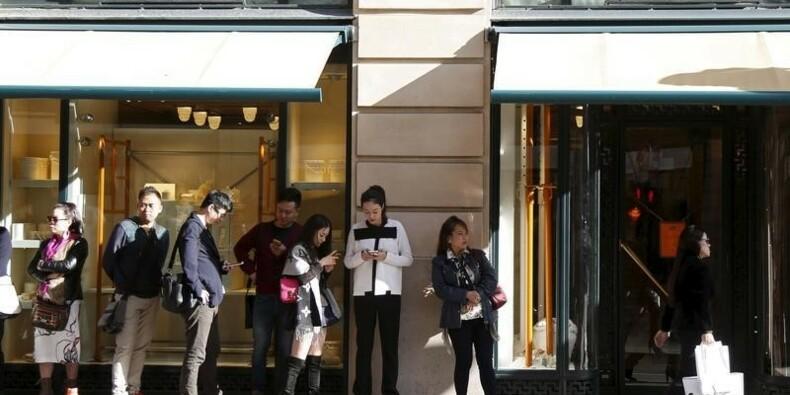 Hermès résiste et voit une année 2016 difficile en Grande Chine