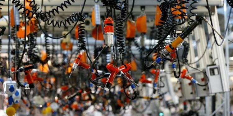 Léger recul des commandes à l'industrie en Allemagne en février