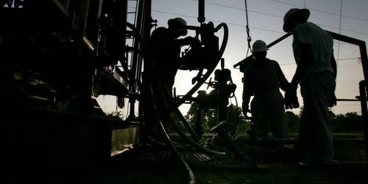 Tollé contre de nouveaux permis pétroliers avant la COP21