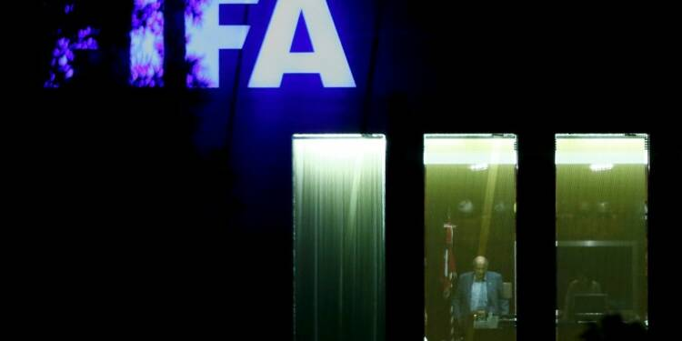 La Suisse ouvre une procédure pénale contre Sepp Blatter