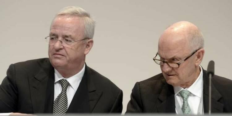 Le président de Volkswagen semble isolé face au directeur