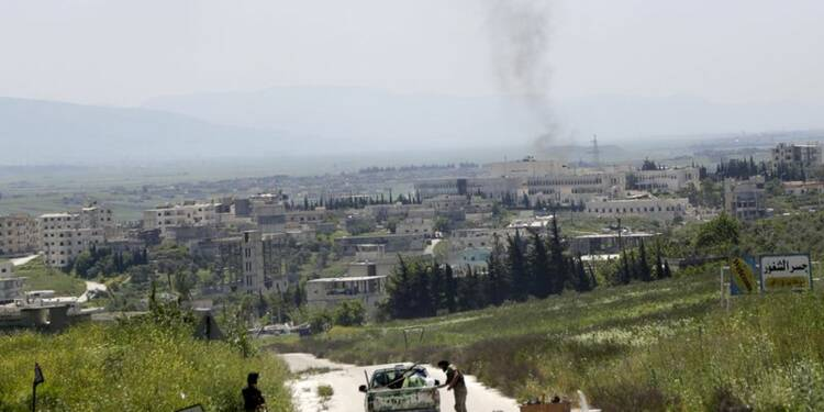 Les rebelles du nord de la Syrie prennent une base militaire
