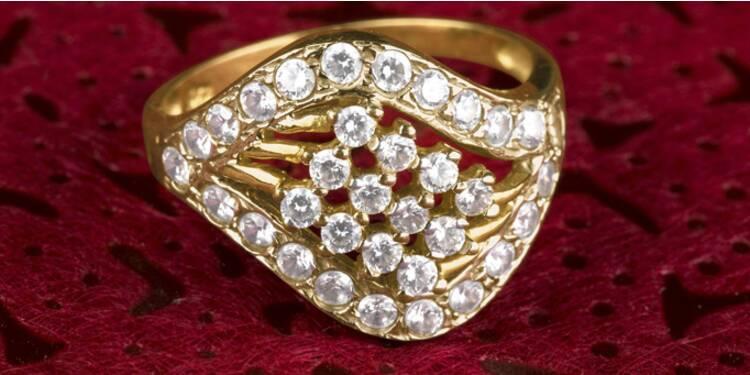 Les prix des diamants plongent, mais les Français n'en profitent pas