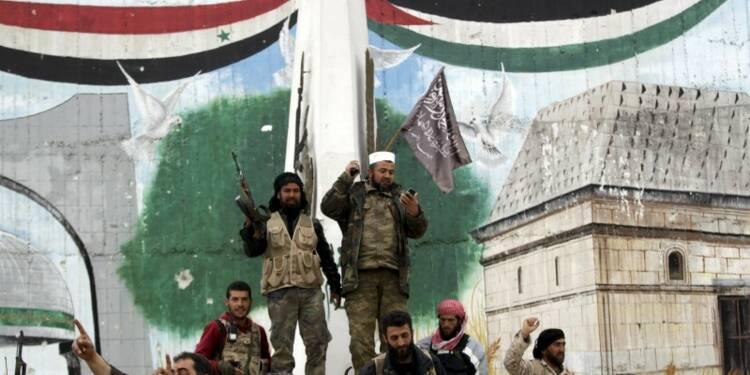 La ville syrienne d'Idlib tombe aux mains des islamistes