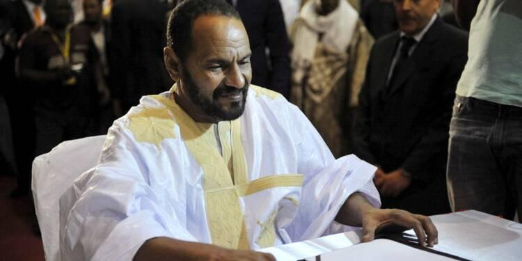 Les rebelles touaregs du Mali signent l'accord de paix d'Alger