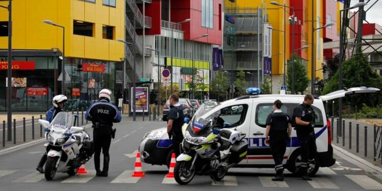 Evacuation de 18 personnes dans un magasin des Hauts-de-Seine