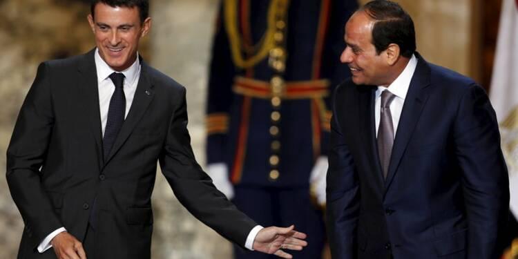 """Manuel Valls salue en l'Egypte un """"partenaire incontournable"""""""