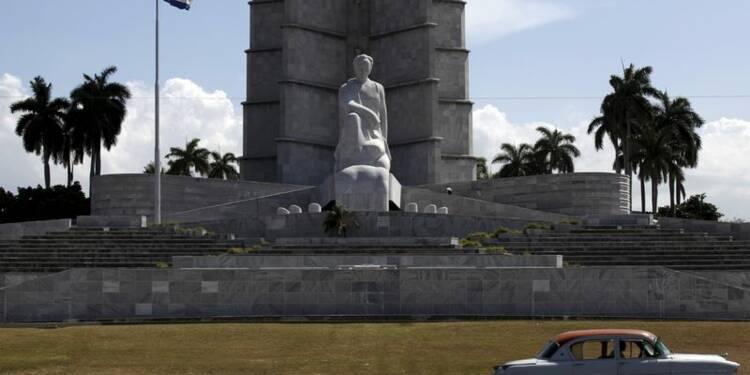 Visite historique de François Hollande à Cuba, île entrouverte