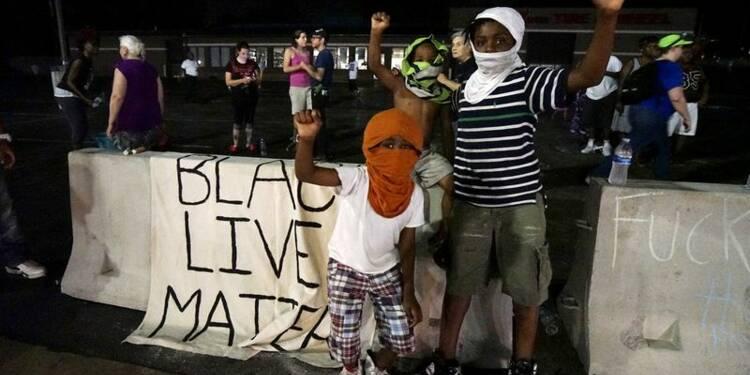 Ferguson commémore l'anniversaire de la mort de Michael Brown