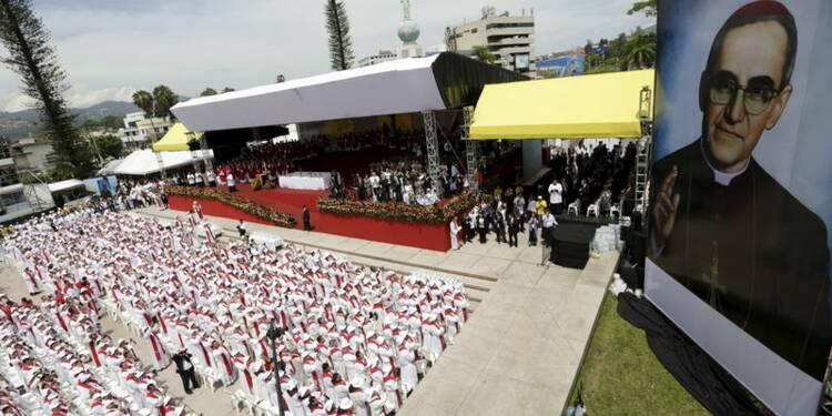 L'archevêque Oscar Romero béatifié à San Salvador