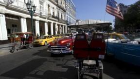 Le drapeau cubain flotte sur l'ambassade de Cuba à Washington