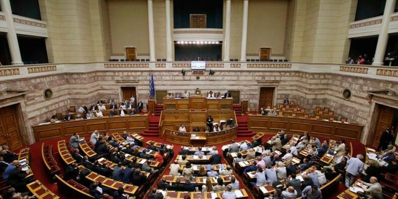 Les débats enlisés au Parlement grec, Syriza menacé de scission