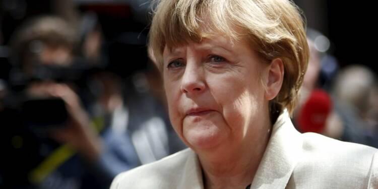 Angela Merkel pressée de s'excuser dans l'affaire des écoutes