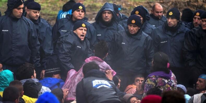 Des milliers de migrants bloqués dans les Balkans