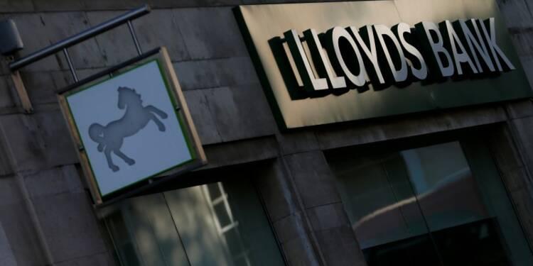 Londres cédera des actions Lloyds aux particuliers d'ici un an