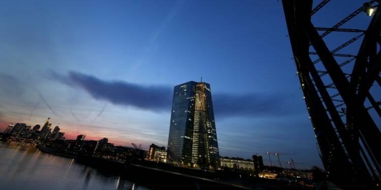 La BCE relève le plafond de l'aide d'urgence aux banques grecques