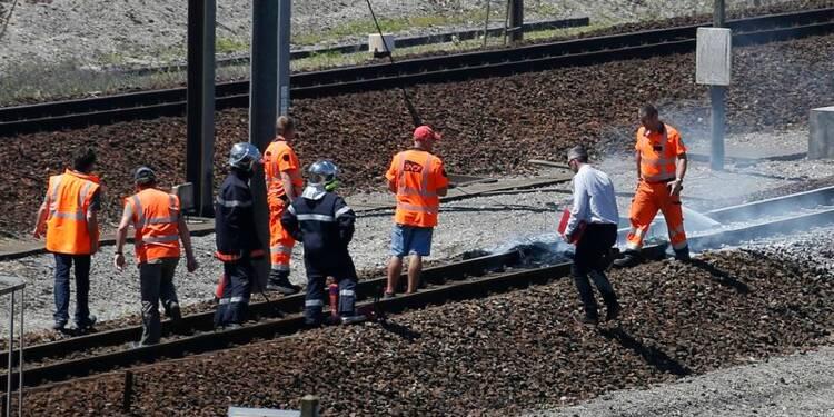 Le trafic Eurotunnel interrompu dans les deux sens