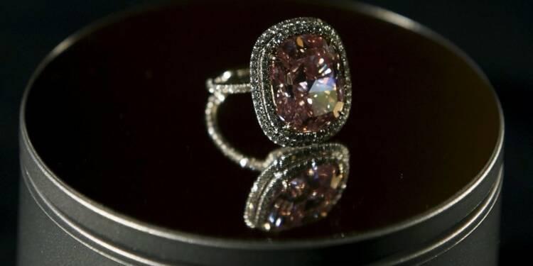 Un diamant rose adjugé pour 26,6 millions d'euros