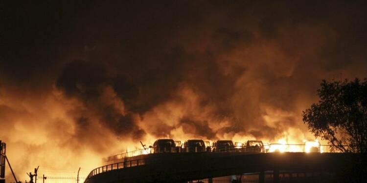 Au moins 7 morts dans d'énormes explosions à Tianjin, en Chine