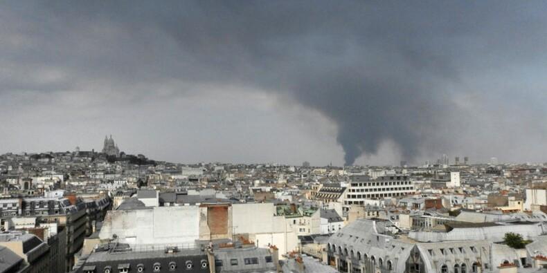Un incendie paralyse la banlieue nord de Paris