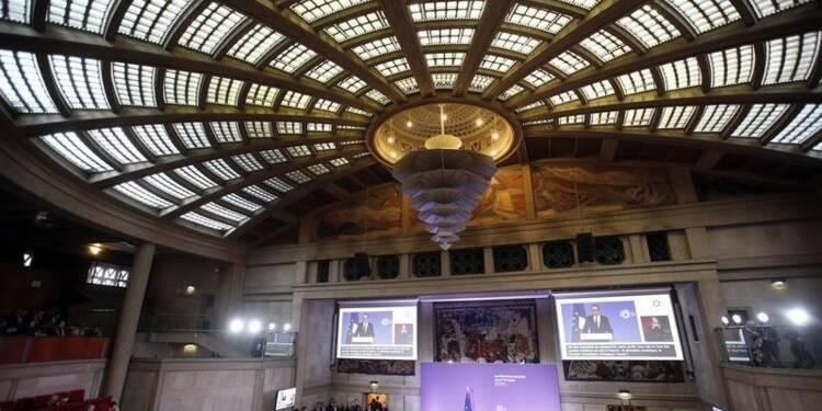 Hollande appelle les partenaires sociaux à de nouveaux compromis