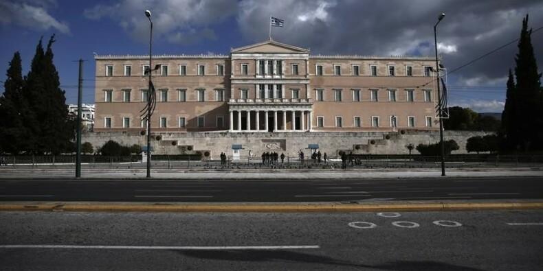 S&P abaisse la note de la Grèce et sa perspective