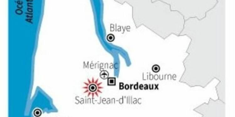 Incendie de forêt réactivé par le vent près de Bordeaux