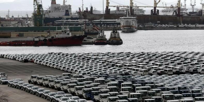 La vente du port du Pirée en Grèce retardée de quelques semaines