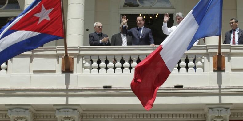 Hollande plaide à Cuba pour la levée de l'embargo américain
