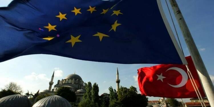 Manuel Valls dit qu'il n'y aura pas de marchandage avec Ankara