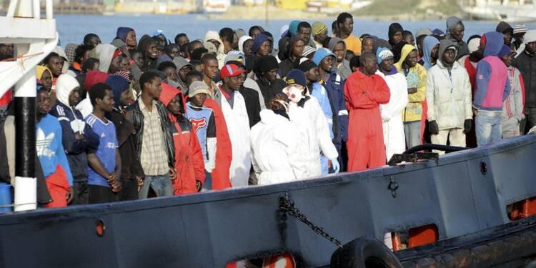 Hollande veut une réunion de ministres européens sur les migrants
