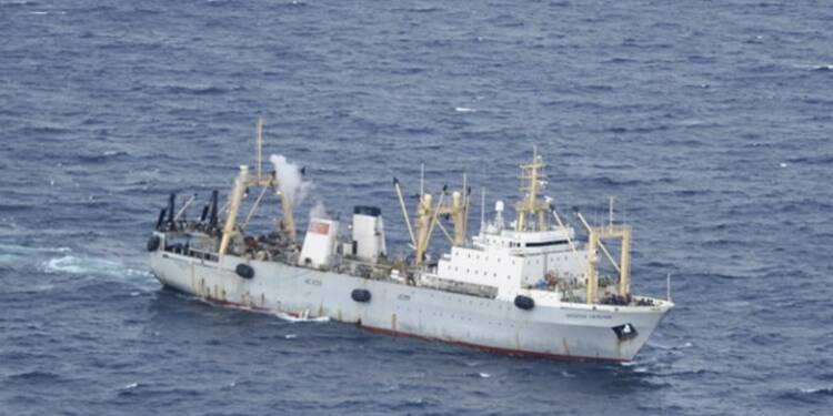 Un chalutier russe coule dans le Pacifique, au moins 56 morts