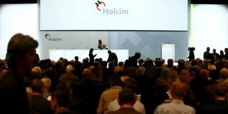 Holcim supprime 120 emplois avant la fusion avec Lafarge