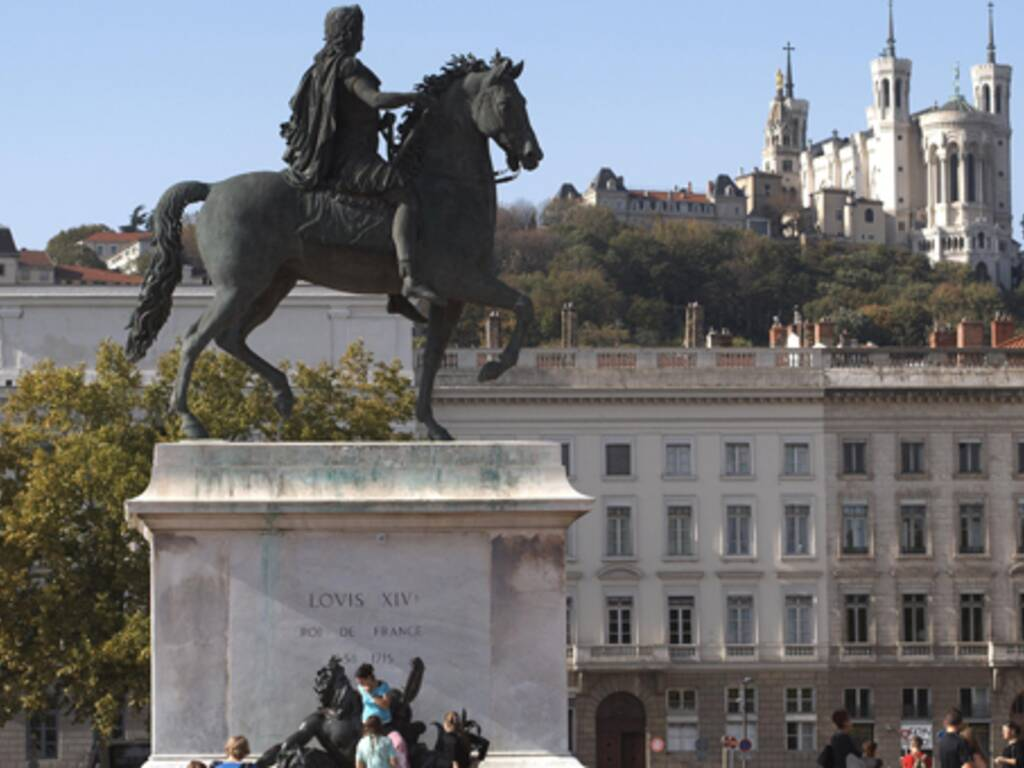Lyon la barre des 3 000 euros le m tre carr franchie presque partout cap - Prix metre carre paris 15 ...