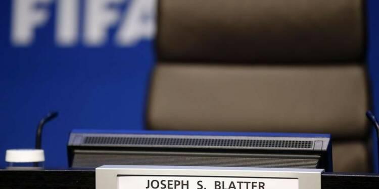 Londres évoque un boycott si Sepp Blatter ne quitte pas la Fifa
