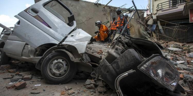 Un nouveau séisme fait des dizaines de morts au Népal