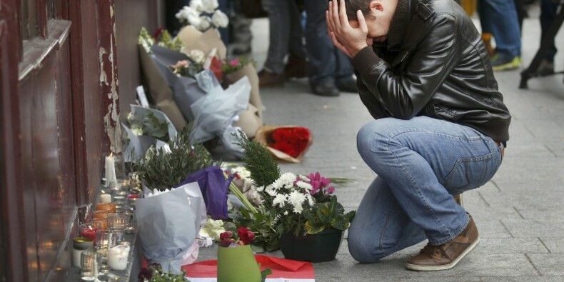 Le bilan des attentats à Paris s'alourdit à 132 morts