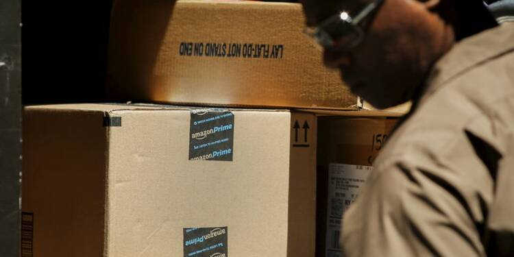 Amazon bondit en Bourse après un bénéfice inattendu
