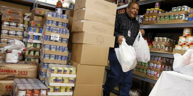 La pauvreté augmente aux USA, la couverture santé s'améliore