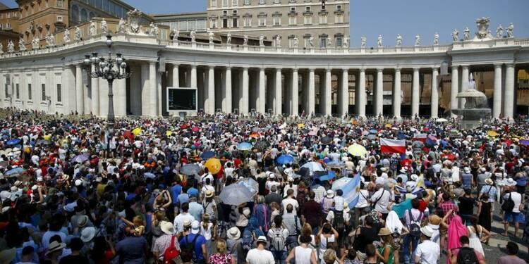 Le pape François appelle à l'interdiction des armes nucléaires