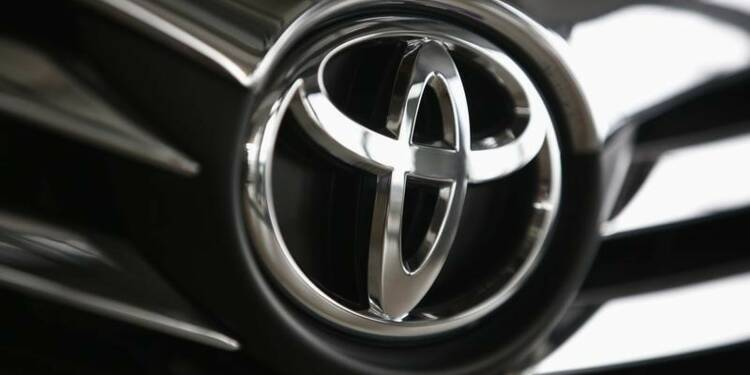 Toyota et Nissan rappellent davantage de voitures