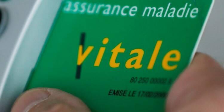 """François Hollande annonce une future carte Vitale """"pour la vie"""""""