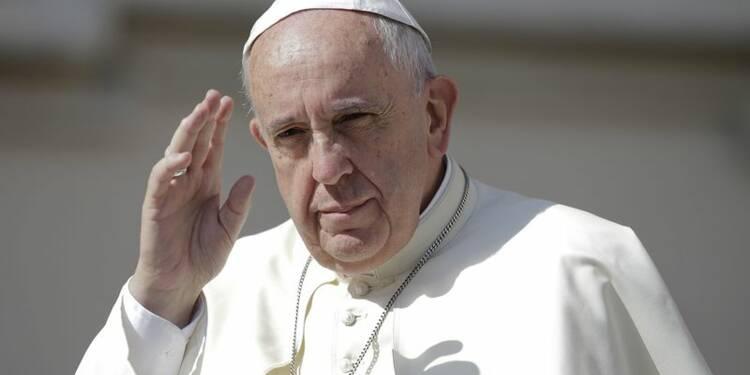 Le pape François appelle à ne pas fermer les portes aux migrants