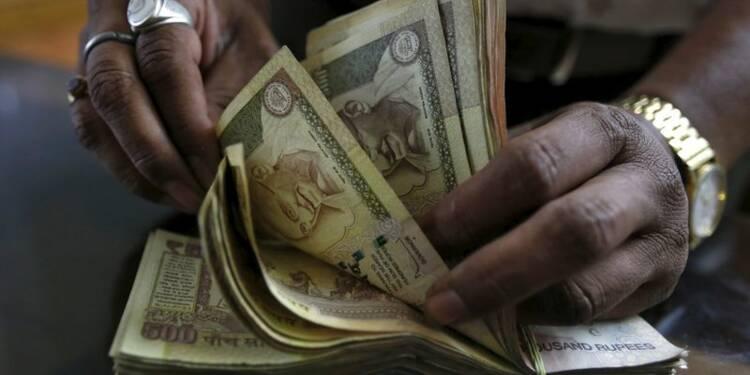 L'Inde, prudente sur la croissance, baisse ses taux une 3e fois
