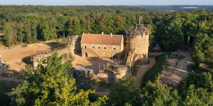Guédelon : qui sont ces fous qui construisent un château fort ?