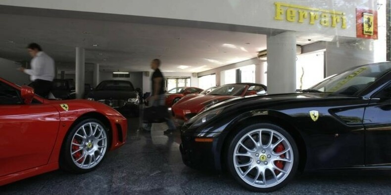 Ferrari valorisée au moins 10 milliards de dollars pour son introduction en Bourse