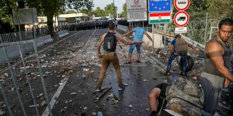 Les migrants cherchent de nouvelles voies, l'Europe une solution