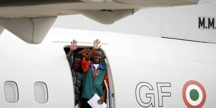 Premier transfert de demandeurs d'asile au sein de l'UE
