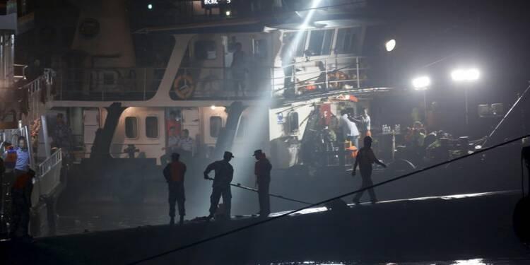 Plus de 400 disparus dans le naufrage sur le fleuve Yangtsé