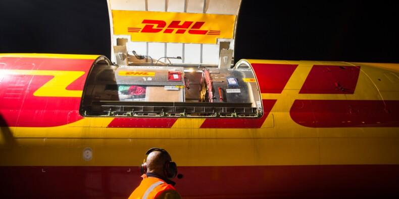 Une nuit dans les coulisses du transporteur express DHL : l'incroyable course pour livrer vos colis